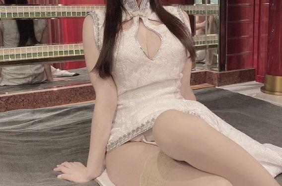 【画像】ソープ嬢を撮影してあげた裸おじさん、無事晒される