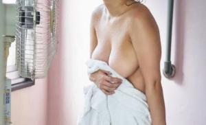 【画像】Fカップの妹が扇風機の前で裸になってたから盗撮してしまったwwww